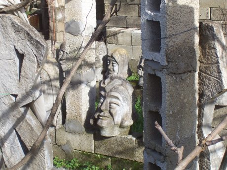 garden of the heads, Ioannina, Griechenland; Quelle: T.D.