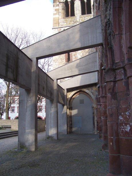 St. Christoph, Mainz, Blick ins Seitenschiff; Quelle: T.D.